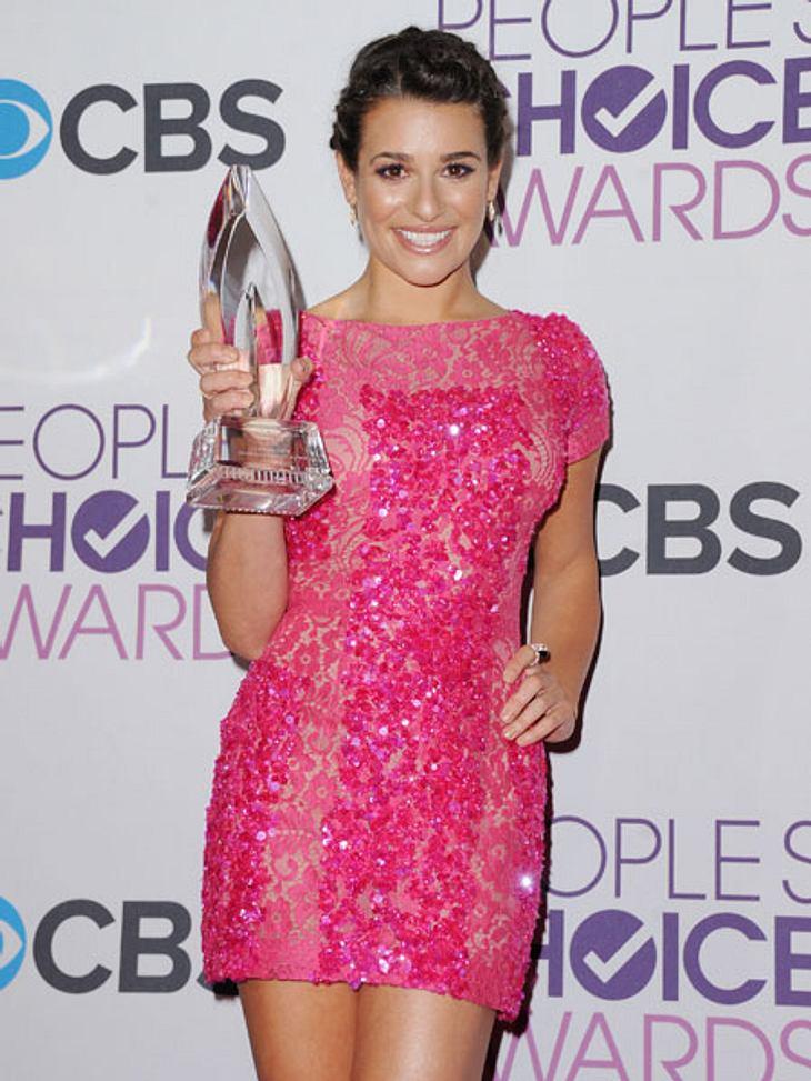 """""""People's Choice Awards"""" 2013Lea Michele (26) strahlte im knappen pinken Kleidchen über ihren Award."""