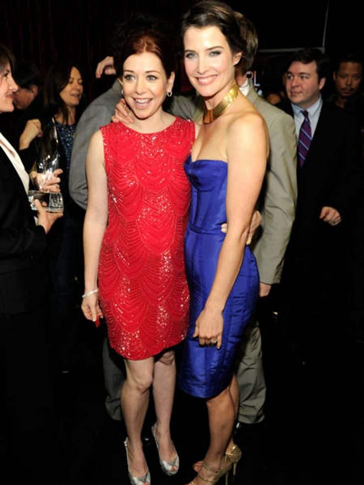 """""""People's Choice Awards"""" 2012Auch privat verstehen sich Alyson Hannigan (37) und Cobie Smulders (29) aus """"How I Met Your Mother"""" super. Alysan zeigte zum ersten Mal offiziell ihren Babybauch."""