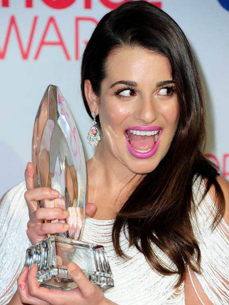 """""""People's Choice Awards"""" 2012Auch """"Glee""""-Star Lea Michele (25) ist ganz begeistert von ihrem Preis als beliebteste TV-Comedy-Schauspielerin."""