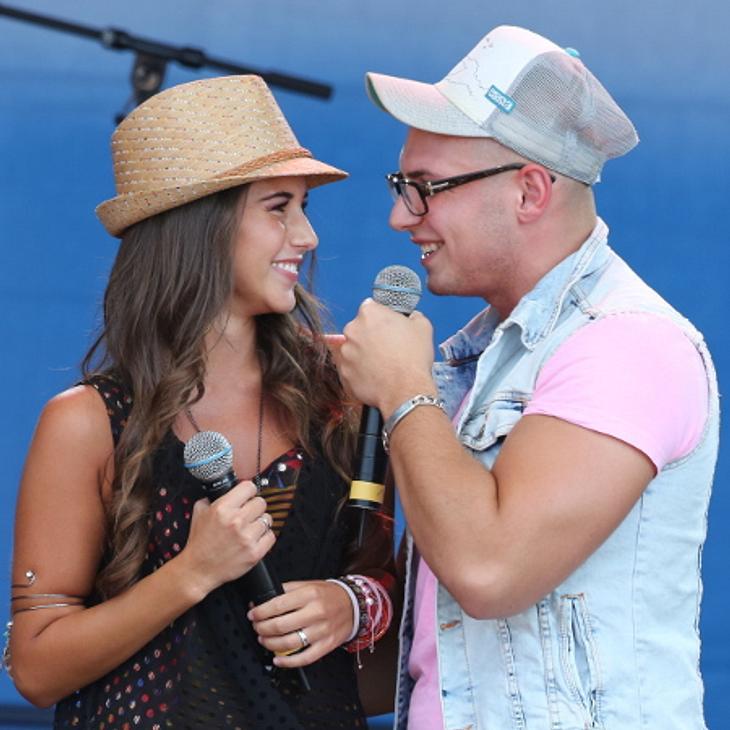 Pietro Lombardi und Sarah Engels überraschten die Fans beim Kindertag in Bremen.
