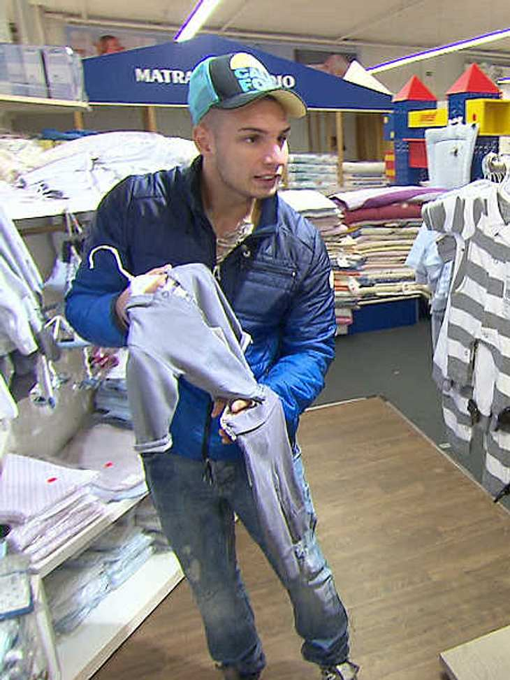 Pietro Lombardi beim Einkauf fürs Baby.