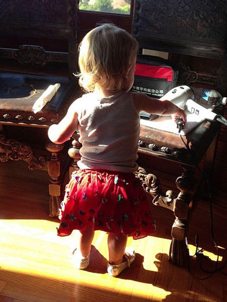 """Pink (33) öffnet ihr Familienalbum für uns: """"Sie ist das schönste Mädchen im Universum"""", schwärmt Sängerin von ihrer Tochter Willow (1). Zugegeben: Die Kleine ist wirklich ein Goldstück..."""