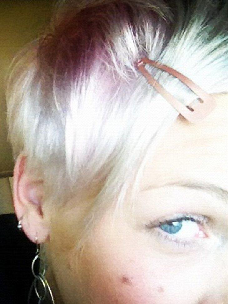 Pink zeigt ihre neue Haarfarbe