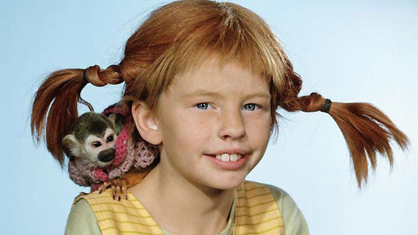 Pippi Langstrumpf mit ihrem Affe Herr Nilsson