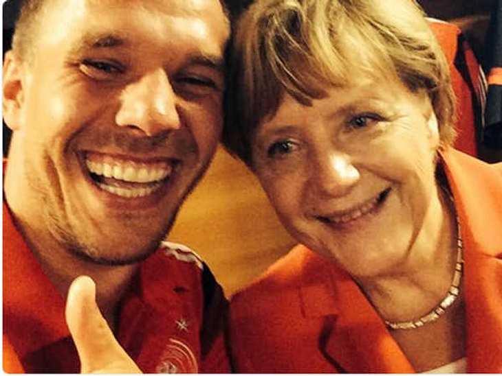 Poldolski und Kanzlerin Merkel beim Selfie!