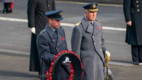 Prinz Charles und Prinz William - Foto: imago images / i Images