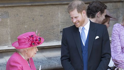 Queen Elizabeth und Prinz Harry - Foto: imago