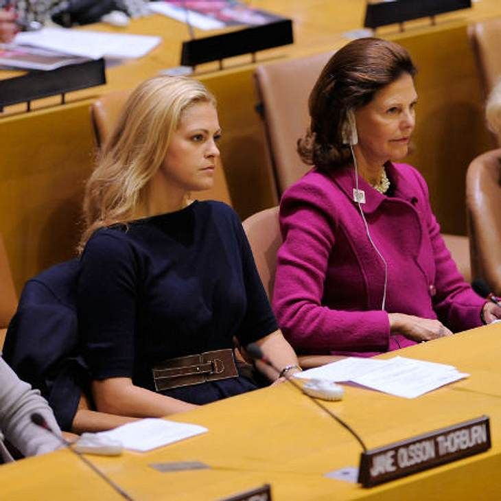 Royals bei der ArbeitErnste Mienen von Prinzessin Madeleine und Königin Silvia von Schweden. Sie nehmen am Symposium der Childhood Foundation in New York teil.