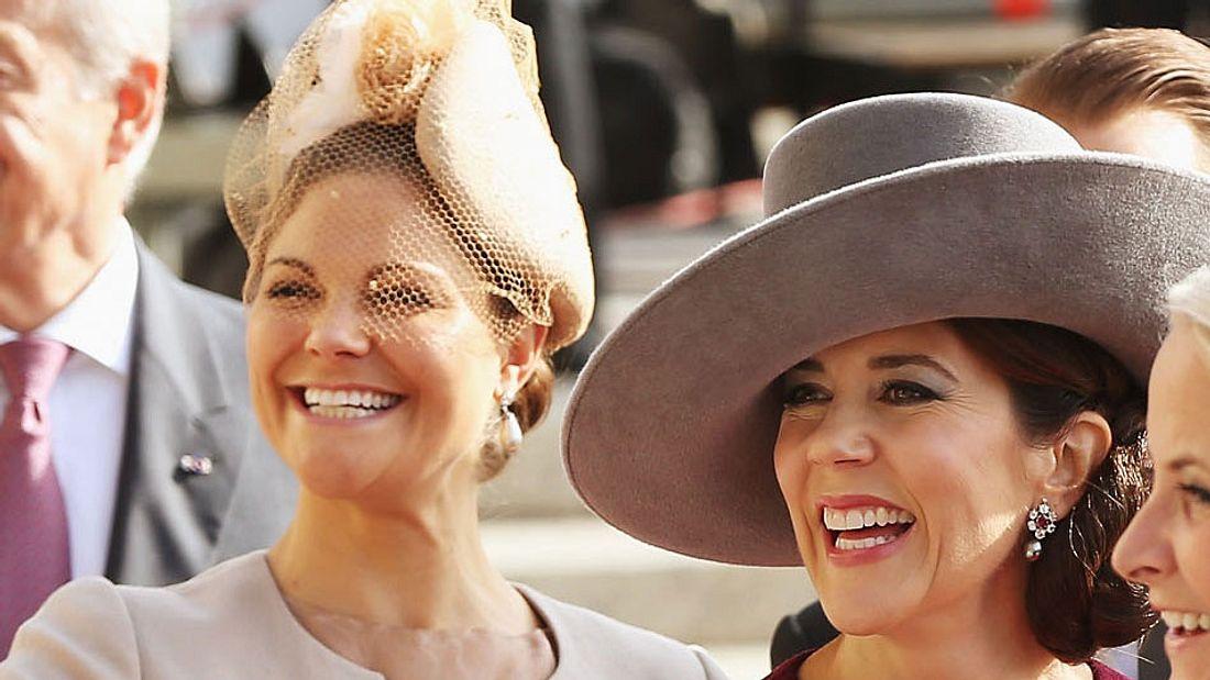Prinzessin Victoria & Prinzessin Mary: Im gleichen Kleid zum Schnäppchen-Preis!