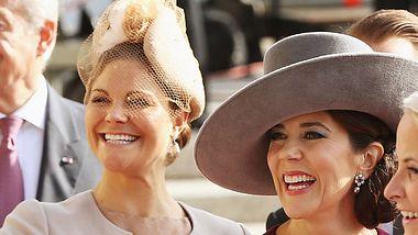 Prinzessin Victoria & Prinzessin Mary: Im gleichen Kleid zum Schnäppchen-Preis!  - Foto: Getty Images