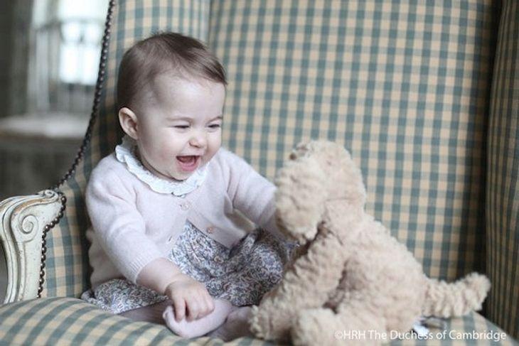 Herzogin Kate: Süße neue Fotos von Prinzessin Charlotte