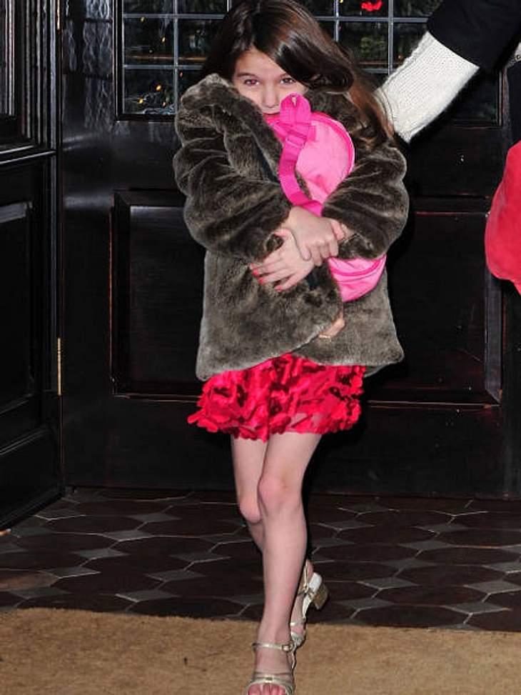 Die stylishen Promi-KinderDas Promikind mit dem wohl teuersten Inhalt im Kleiderschrank ist unumstritten Suri Cruise (5). Mehrere Millionen soll der Wert ihrer Kleidung umfassen. Sie hat allein Schuhe für insgesamt 100.000 Euro. Aber ihre M