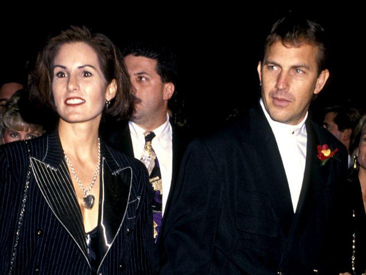 Die teuersten Promi-Scheidungen: Platz 8,Nach 16 Ehejahren und drei gemeinsamen Kindern trennten sich 1994 Kevin Costner und Cindy Silva. Der Schauspieler zahlte ihr 80 Millionen Dollar.