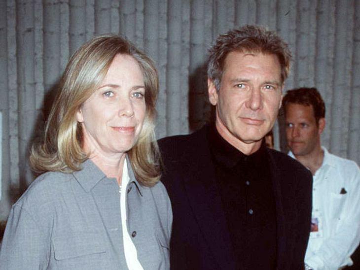 Die teuersten Promi-Scheidungen: Platz 7,Harrison Ford war 18 Jahre lang mit der Drehbuchautorin Melissa Mathison verheiratet. Dann ging er zu Calista Flockhart. Seine Ex-Frau bekam 85 Millionen Dollar.