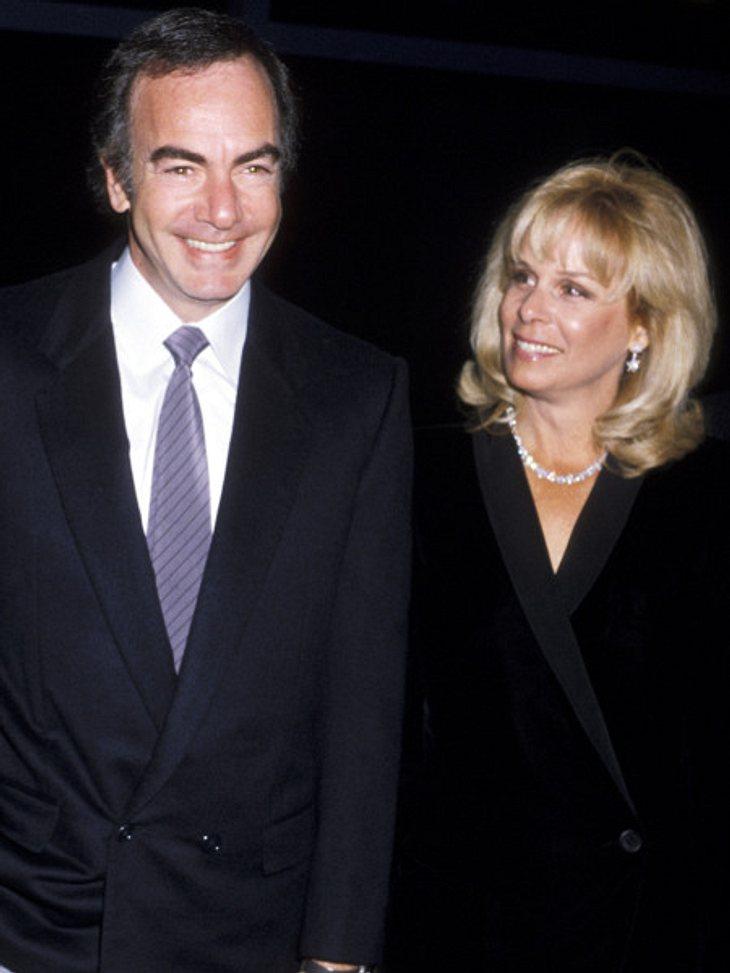 Die teuersten Promi-Scheidungen: Platz 3,Den dritten Platz der teuersten Promi-Scheidungen aller Zeiten belegt US-Schnulzensänger-Neil Diamond. 1994 zahlte er seiner Ex-Frau Marcia Murphy nach 25 Ehejahren 150 Millionen Dollar. Aber ganz oh