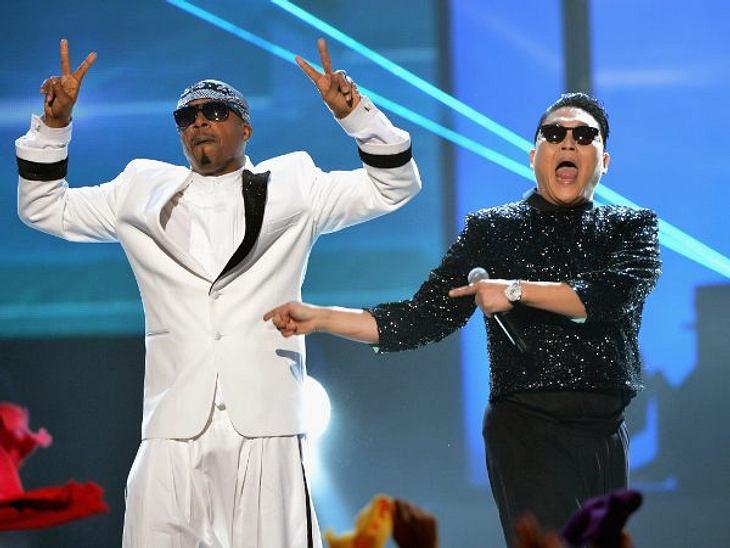 """""""American Music Awards 2012""""Der Knaller-Auftritt kam von Psy und MC Hammer. Die beiden performten zusammen den """"Gangnam Style""""."""