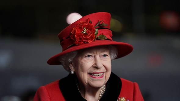 Queen Elizabeth lächelt heute wieder - Foto: Imago