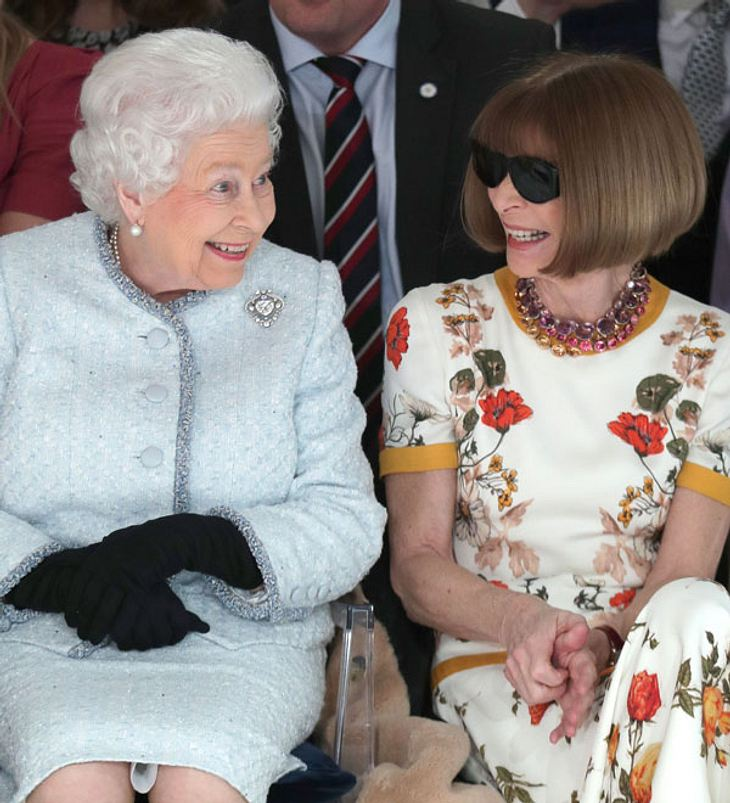Die Queen besucht die Fashion-Week London