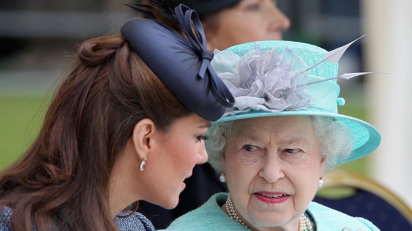 Queen Elizabeth und Herzogin Kate