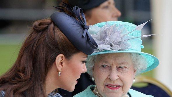 Herzogin Kate und die Queen - Foto: Chris Jackson/Getty Images