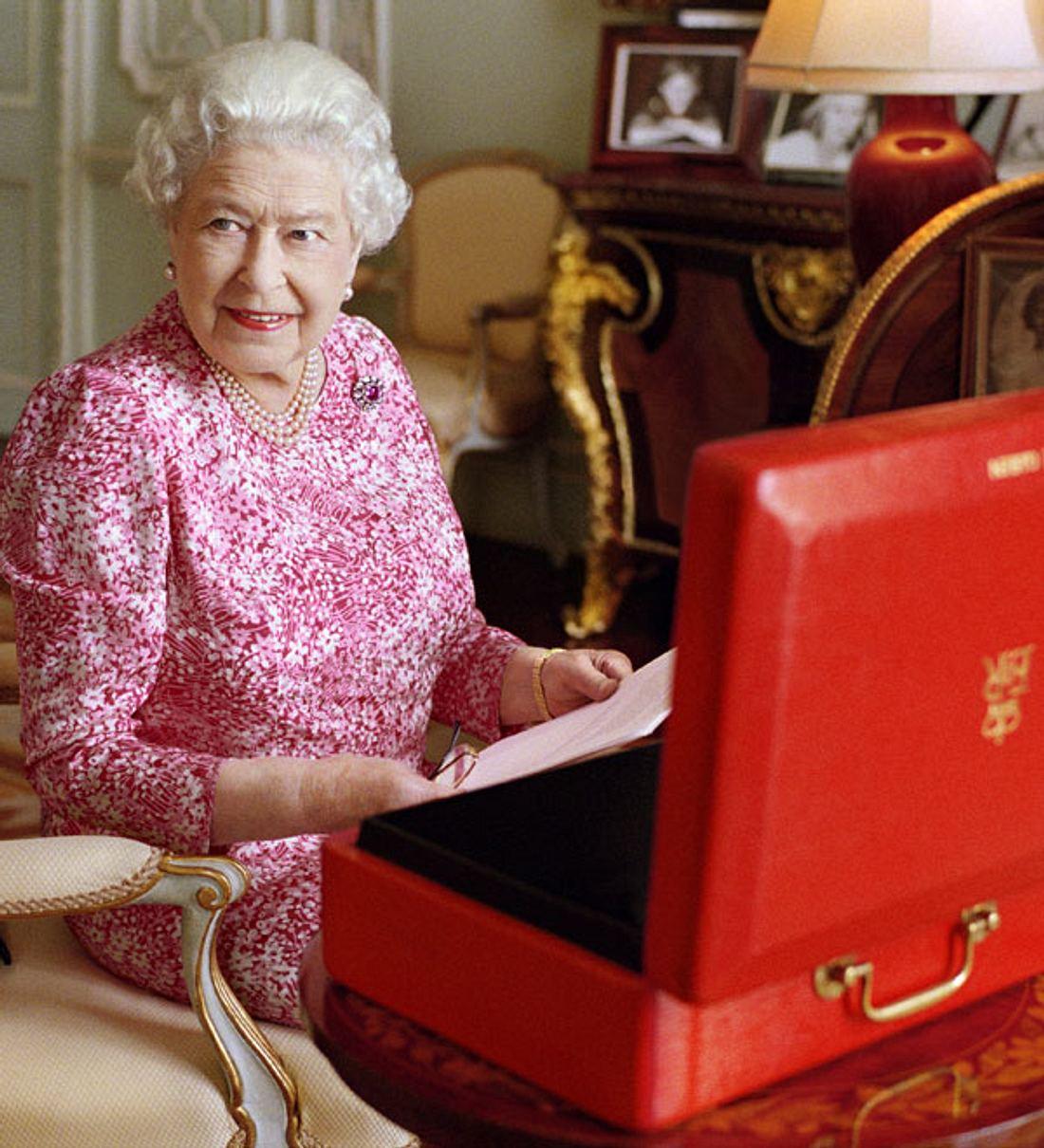 Queen Elizabeth II: Betreibt sie Steuerhinterziehung?