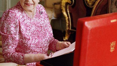 Queen Elizabeth II: Betreibt sie Steuerhinterziehung? - Foto: Getty Images