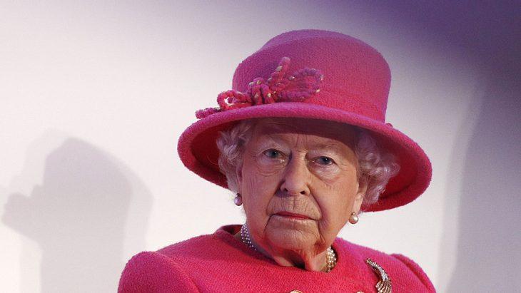 Queen Elizabeth II.: Trauriger Abschied! Die Monarchin muss Lebewohl sagen!