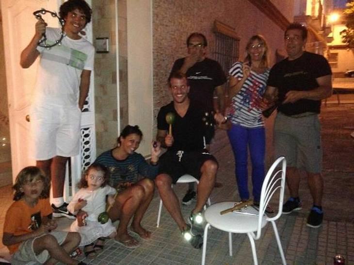 Sabia Boulahrouz und Rafael van der Vaart mit den Kindern