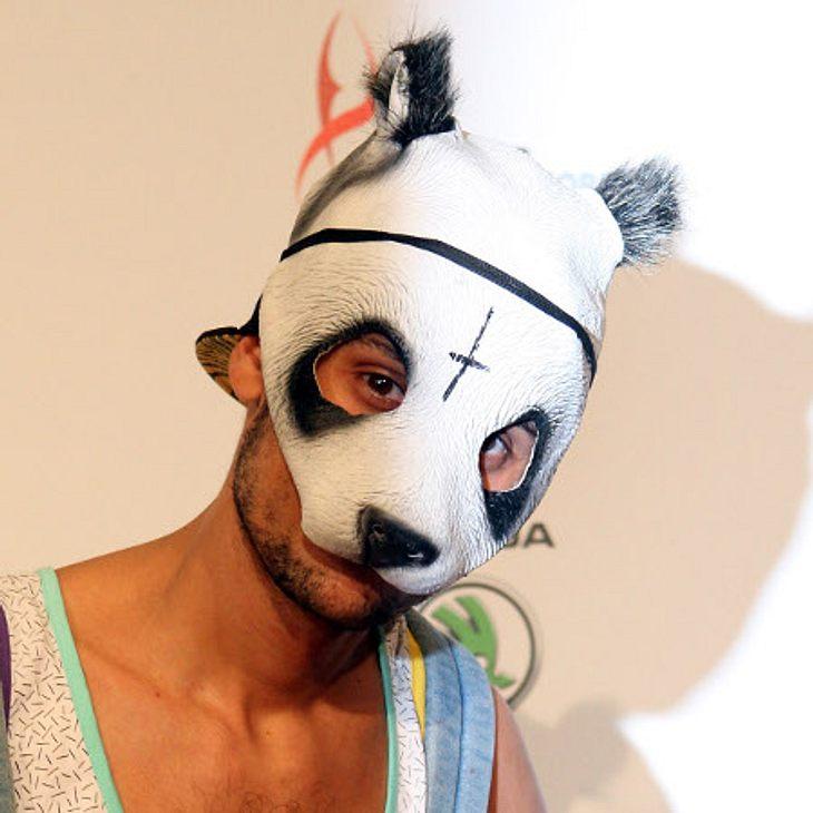 Rapper Cro hat 50 Pandamasken.