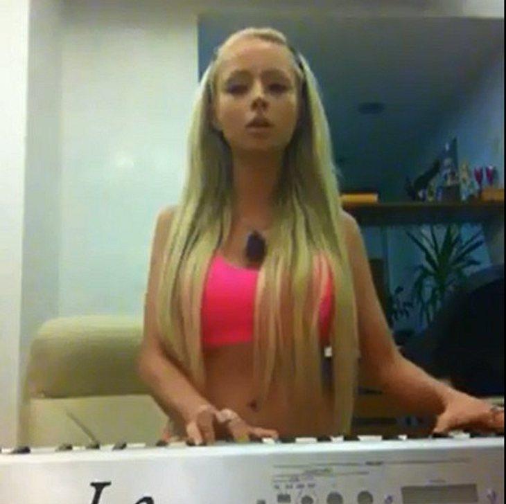 Valeria Lukyanova singt jetzt auch.