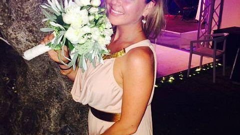 Rebecca Kratz zeigt ihr wunderschönes Brautkleid