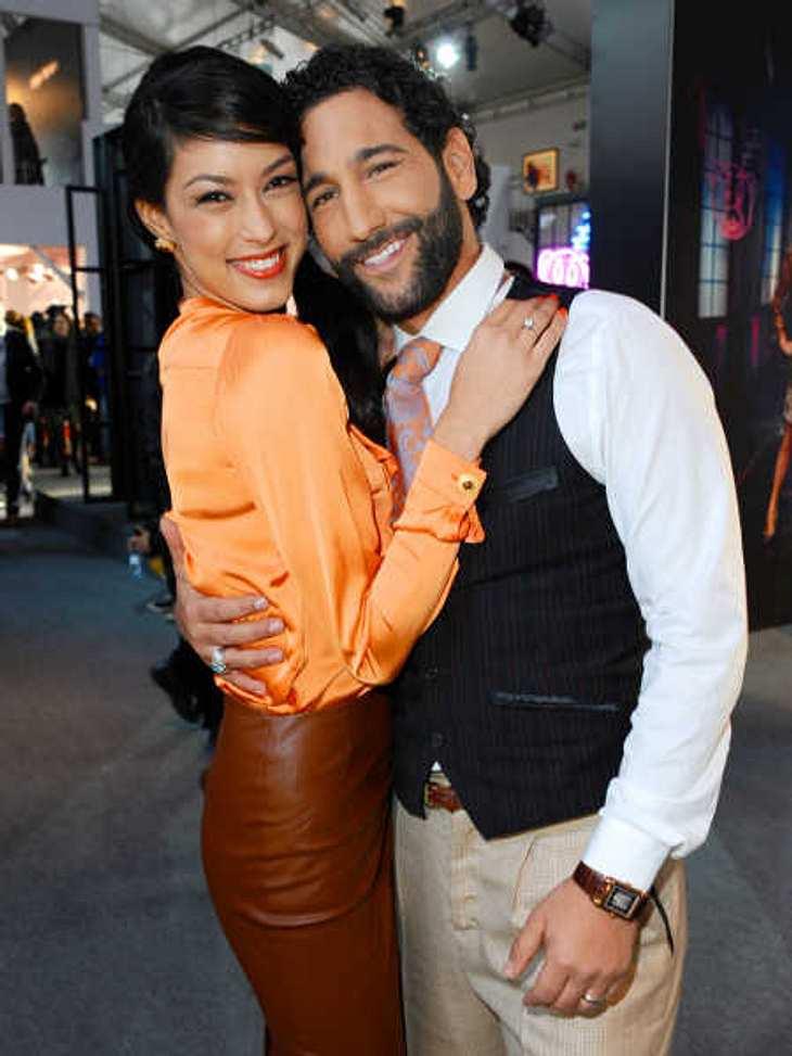 Rebecca Mir und Massimo Sinato kuschelten auf der Fashion Week Berlin.