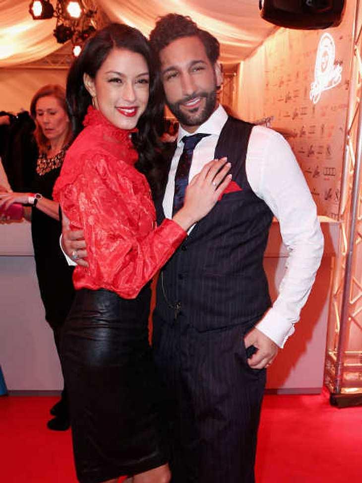Rebecca Mir und Massimo Sinato haben sich verlobt.