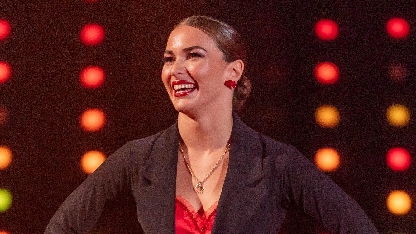 Lets Dance-Star Renata Lusin: Nackt! Sie zieht sich für