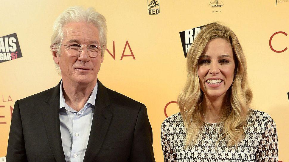 Richard Gere und Frau Alejandra Silva - Foto: Getty Images