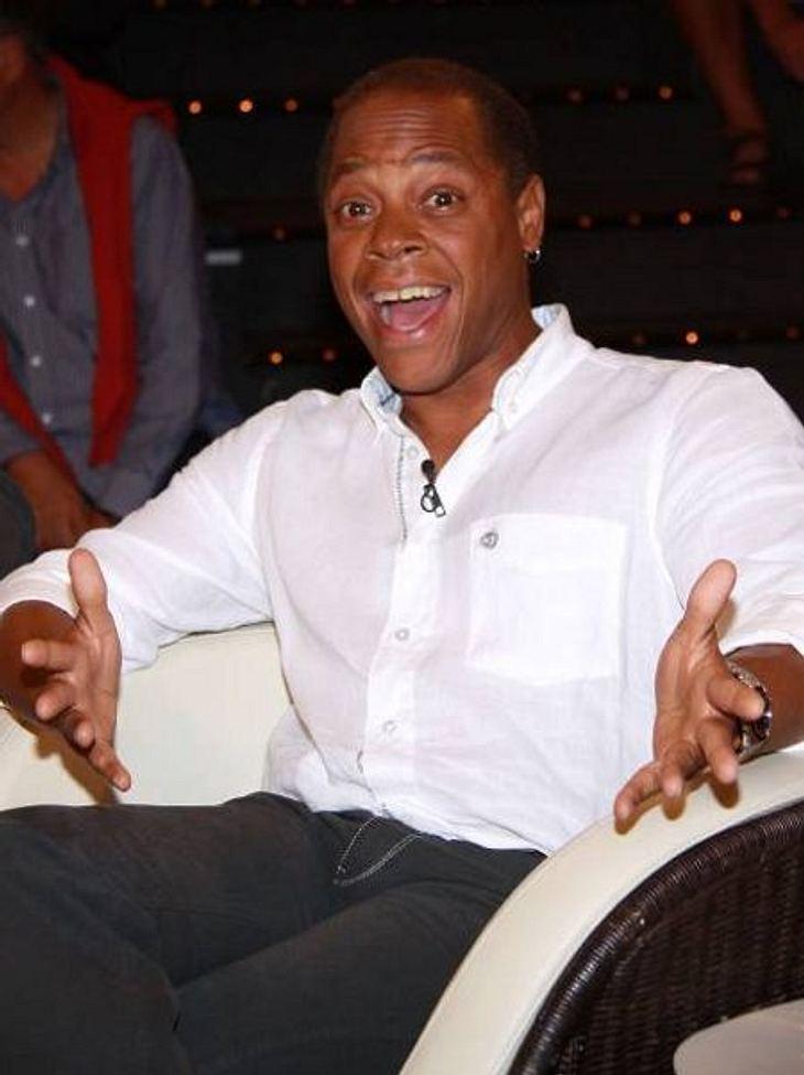 """Die Talkshow-Moderatoren der 90erRicky Harris machte sich mit der Talkshow """"Ricky!"""" einen Namen. Mit schlechtem Deutsch und immer unter Strom begeisterte er ein Jahr lang das Publikum. Seit 2010 moderiert Ricky Harris """"Sonnen"""