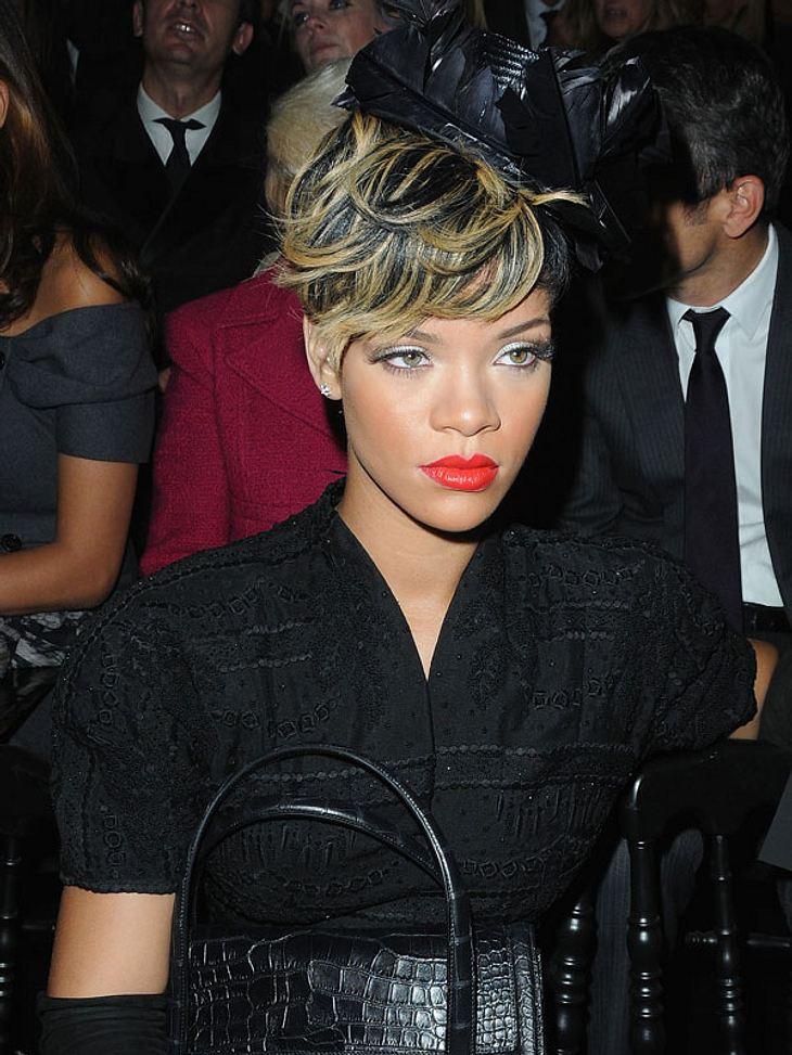 Was wünscht sich Rihanna wohl zu Weihnachten? Guten Sex und gutes Essen! Seit sich die Sängerin vom Prügel-Ex Chris Brown getrennt hatte, machte sie einen großen Bogen um die Dating-Szene.