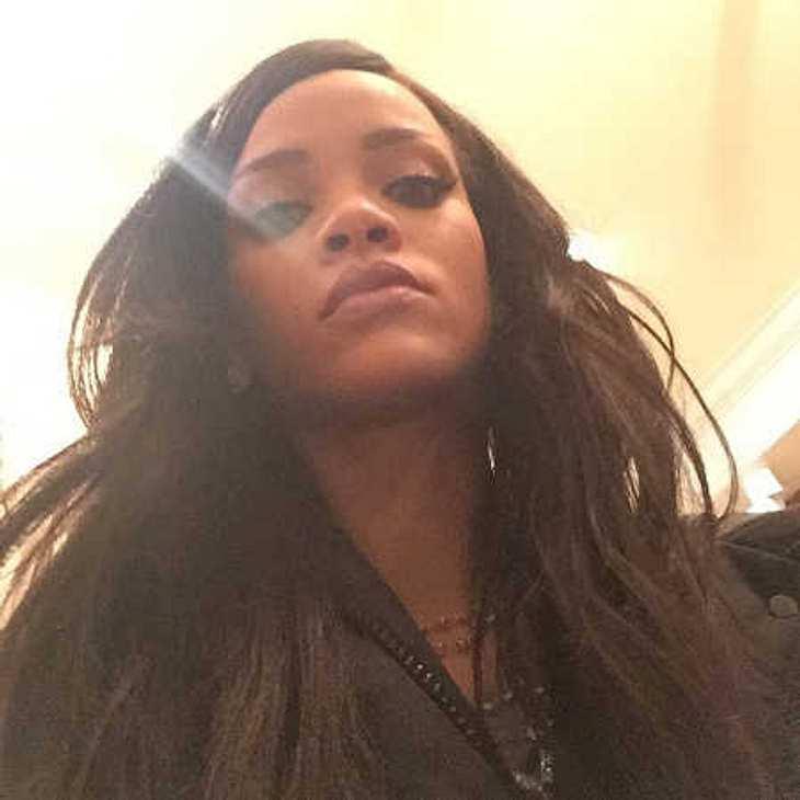 Rihanna lässt ihre Hits von Schulabbrecherin Bibi Bourelly aus Berlin schreiben!