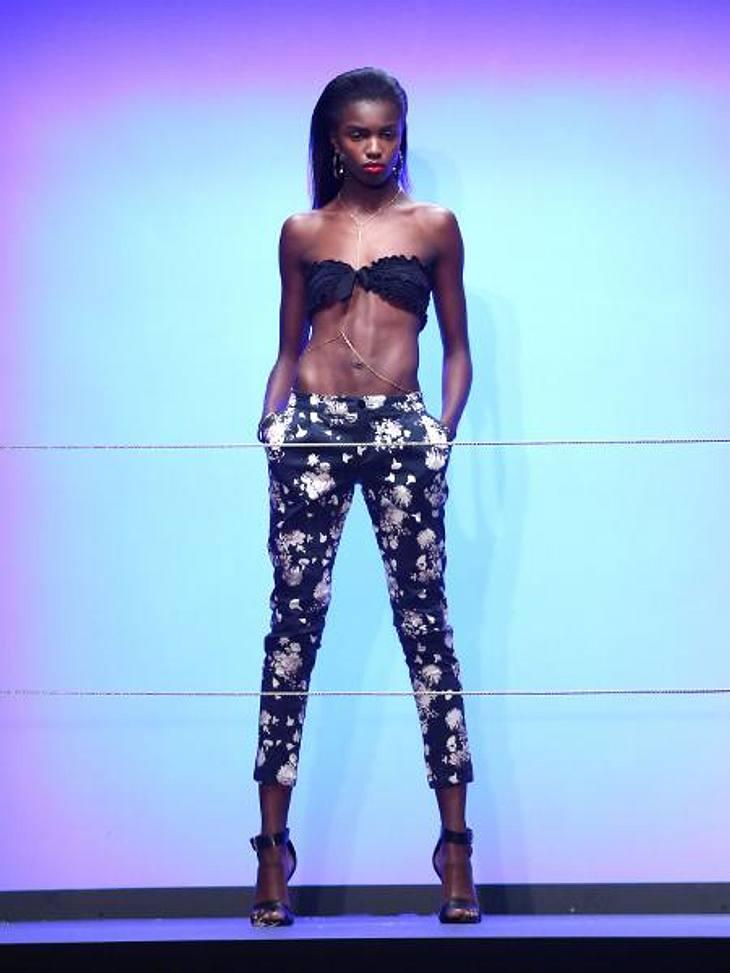 Rihanna: Ihre erste Fashion-Kollektion für River IslandKnapper kann ein Oberteil kaum ausfallen...