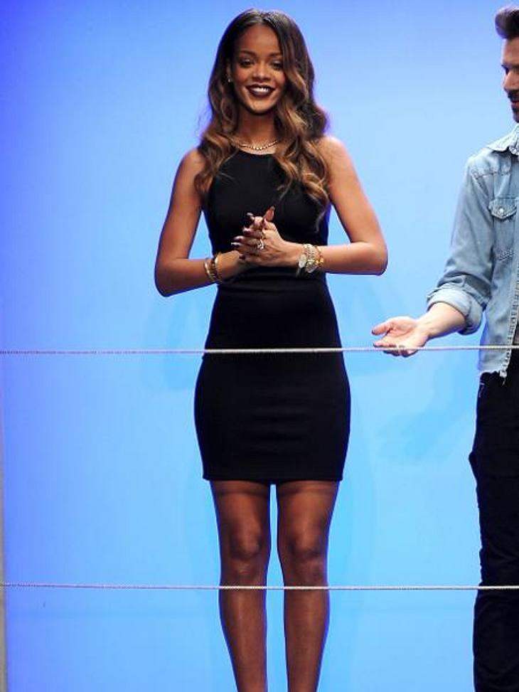 Rihanna: Ihre erste Fashion-Kollektion für River IslandAm Ende der Show ließ sich Rihanna für ihre Kollektion feiern - die Kritiker zeigten sich allerdings weniger begeistert...
