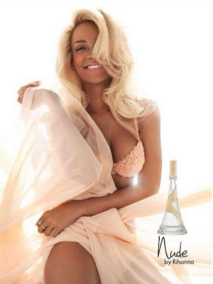 Rihanna präsentiert ihr neues Parfum in Blond