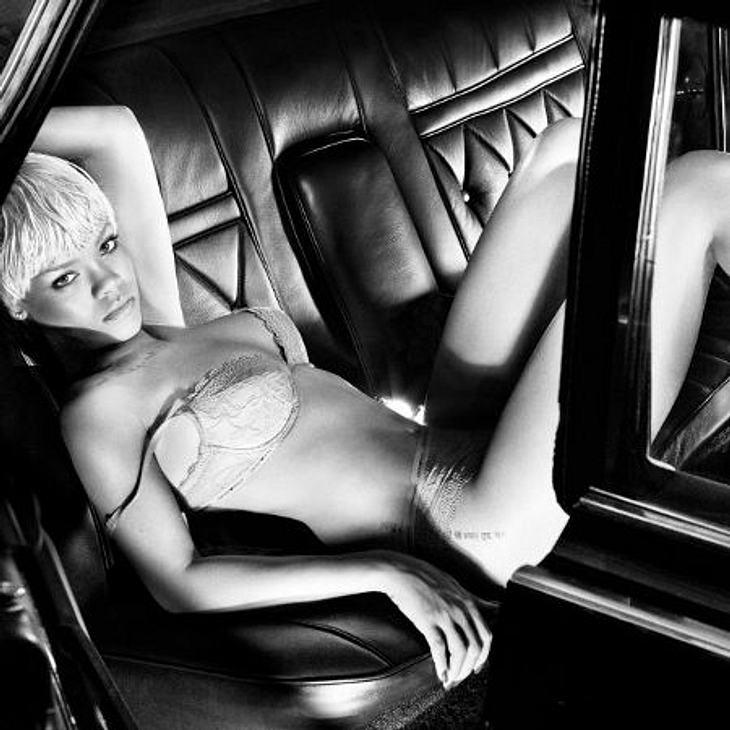 Rihanna: Ihre peinliche Sex-ShowAuch ihre Werbefotos für Armani waren keineswegs züchtig. Wenn das Luxuslabel vorher von ihrem nun sehr schlüpfrigen Images gewusst hätte, wäre diese Zusammenarbeit bestimmt nicht zustande gekommen.