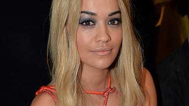 Rita Ora Knoten Kleid sexy - Foto: Gettyimages