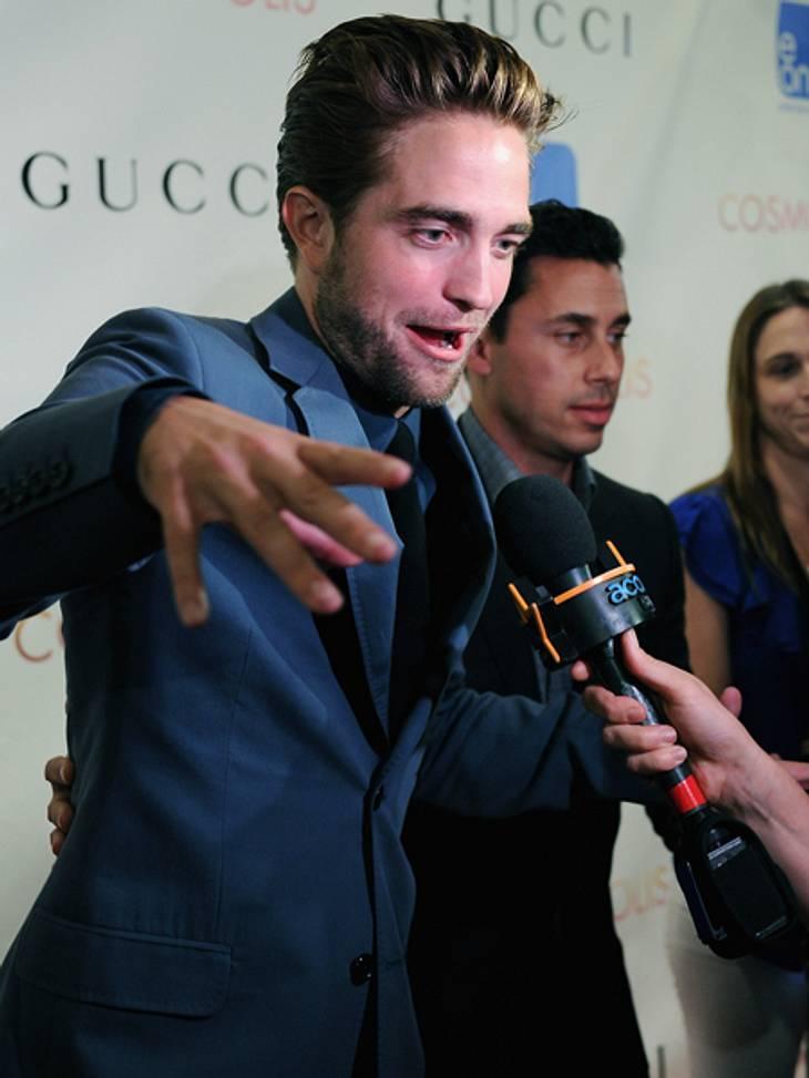 """Smart, sexy, souverän - Robert Pattinson auf der """"Cosmopolis""""-PremiereKeine Frage, Robert Pattinson beherrscht den schmachtenden Blick bestens. Auf der Premierenfeier zeigte er, was noch so alles in ihm steckt."""