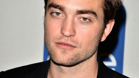 """Die missglückten Frisuren der StarsMillionen Mädchen lieben Robert Pattinson (26) für seine Wuschelfrisur. Wenn sich der """"Twilight""""-Star versonnen mit der Hand durch dir Haare fährt, kreischen die Fans wie auf Knopfdruck... - Foto: GettyImages"""