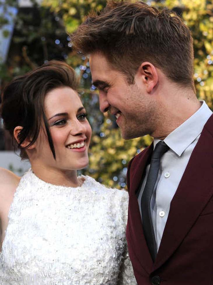 """Robert Pattinson & Kristen StewartAuf fast allen Fotos zu """"Eclipse"""" können die beiden kaum die Finger voneinander lassen."""