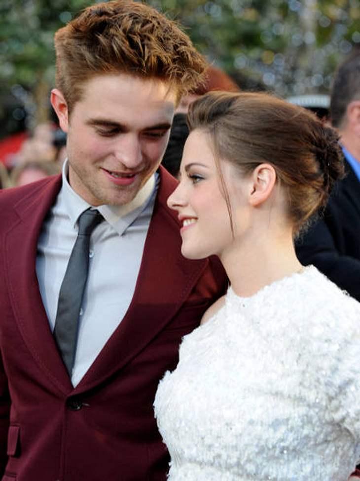 """Robert Pattinson & Kristen StewartBei der Premiere von """"Eclipse"""" wussten eh schon alle, dass Robert Pattinson und Kristen Stewart auch privat den Edward und die Bella geben. Geturtelt wurde auf jeden Fall."""