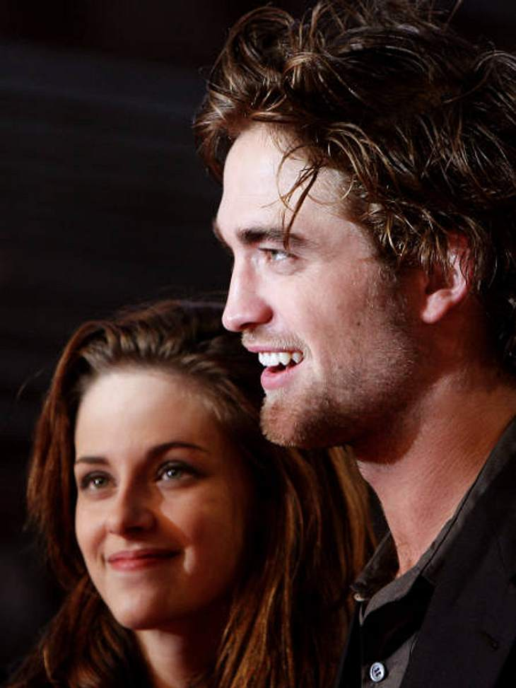"Robert Pattinson & Kristen StewartRobert Pattinson und Kristen Stewart bei der Premiere von  ""Twilight ""   2008 in Rom."