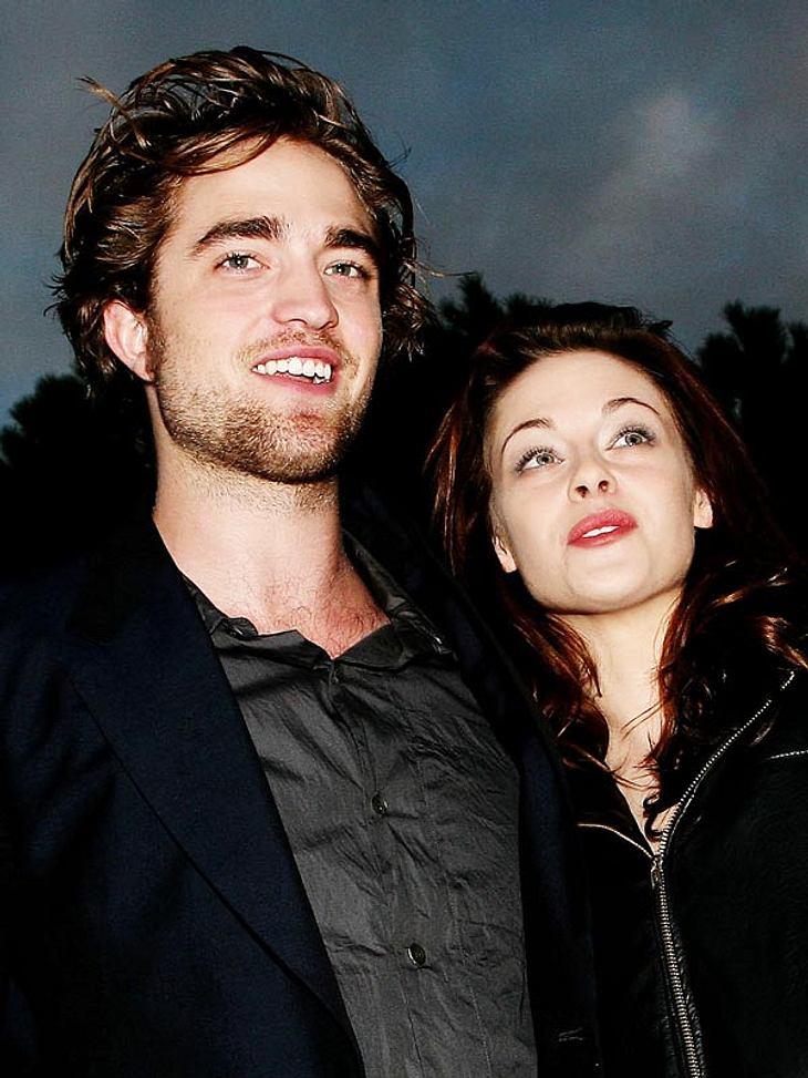 """Knutschen unterm Tannenbaum? Bei Robert Pattinson und Kristen Stewart soll dieses Jahr das """"Fest der Liebe"""" steigen."""