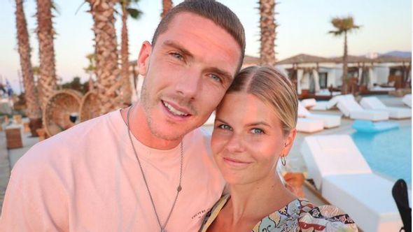 Robin Gosens und Freundin Rabea Böhlke - Foto: Instagram/@robingosens